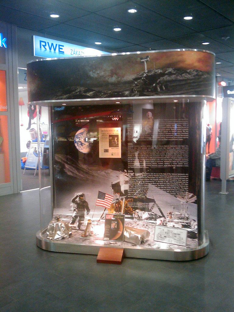 http://forum.kosmonautix.cz/dokumenty/Vystava_Citypark/IMAG0465.jpg