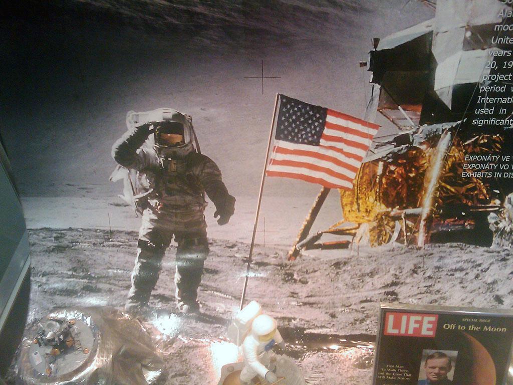 http://forum.kosmonautix.cz/dokumenty/Vystava_Citypark/IMAG0469.jpg