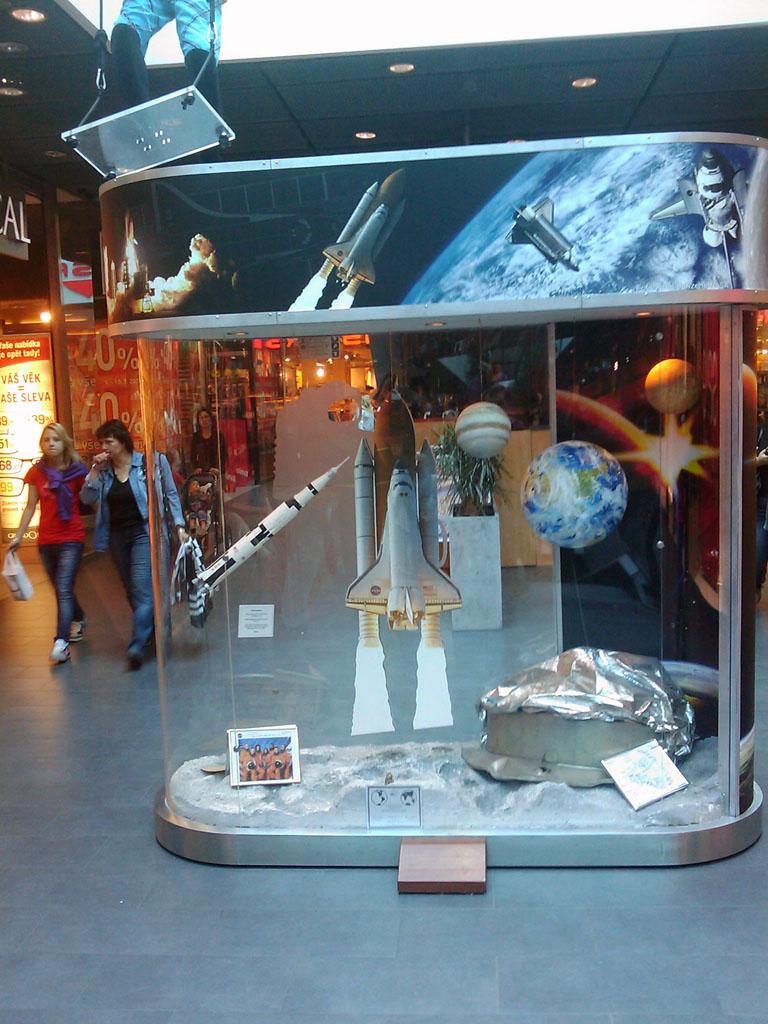 http://forum.kosmonautix.cz/dokumenty/Vystava_Citypark2/IMAG0540.jpg