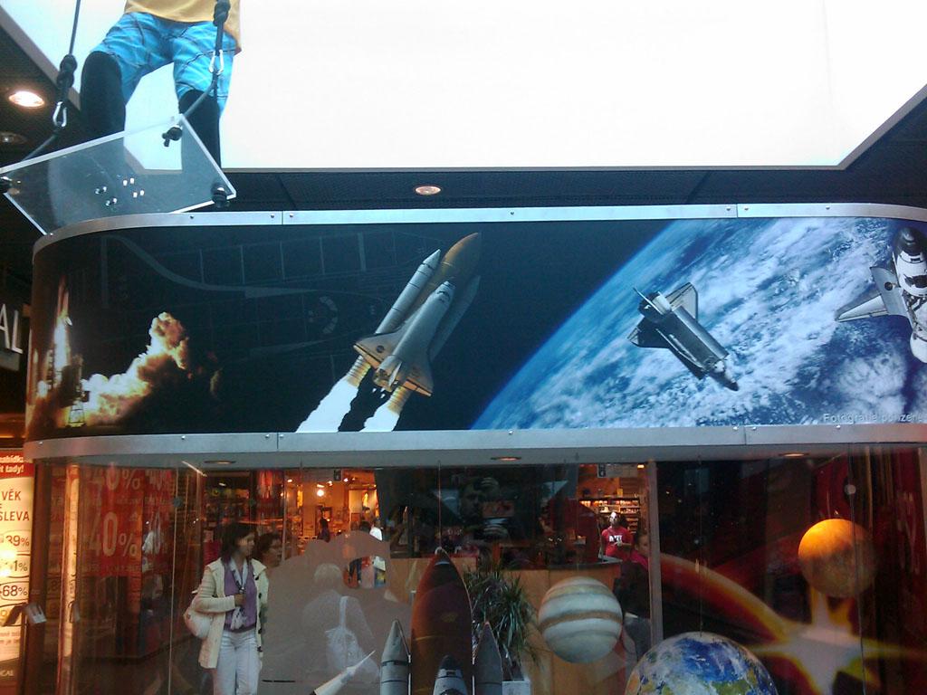 http://forum.kosmonautix.cz/dokumenty/Vystava_Citypark2/IMAG0541.jpg